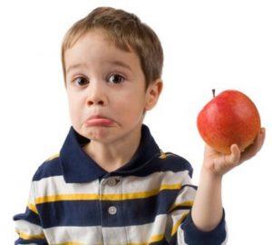 опыт с яблоком для ребенка
